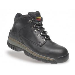 Tred black waxy leather chukka boot